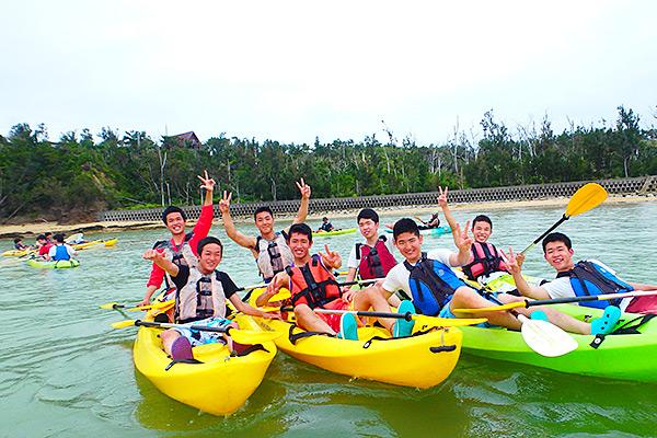 沖縄修学旅行で慶佐次湾シーカヤック(シーカヤックとマリンクラフト)